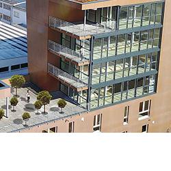 SÜLZLE Stahlpartner lieferte rund 40t Profilstahl für den Bau des Sechsgeschossers in die Universitätsstadt Tübingen